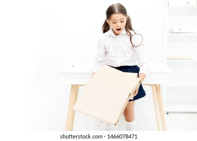 Do not give up. Schoolgirl depressed studying. Cope with failure. Make teaching points of mistakes deal appropriately failure. Pupil upset failure. Praise best efforts show how move learning forward.