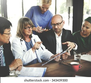 Doctor Meeting Teamwork Diagnosis Healthcare Concept