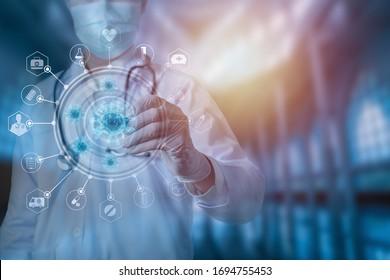 Doktor mit Stethoskosanalysekonzept zur Heilung von Coronavirus-Technologie, Abstrakte Gesundheitsversorgung, Covid-19, Arzt der Medizin zeichnet Virus auf blauem Hintergrund, Corona-Virus-Ausbruch und globale Epidemie