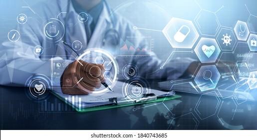 Arzt, der Computer-Laptop-moderne Technologie zur Diagnose der Gesundheit des Patienten, Diagnose der medizinischen Versorgung, Nahaufnahme medizinischer Fachkräfte im Krankenhaubüro, Banner-Symbol