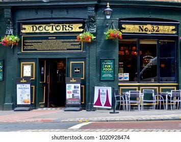 Doctors pub, popular bar next to Edinburgh University on Forres Road, Edinburgh Scotland UK. FEBRUARY 2018