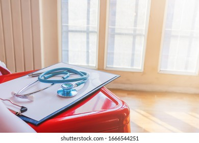 The doctor's stethoscope is prepared when it comes to emergencies, when there is an accident patient or the patient is unconscious because the stethoscope is used to listen to the heartbeat.