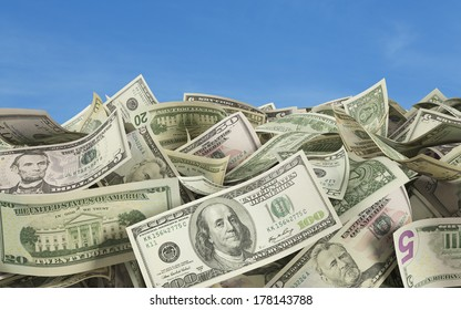 Dollar notes at the ground, outside 2, all nominals