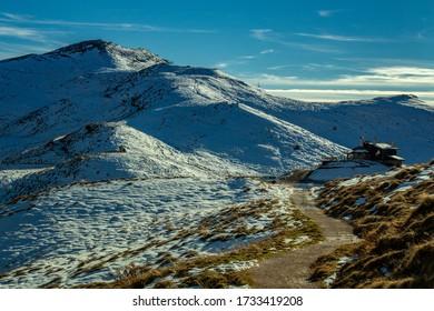 Dolomite panoramas along a path