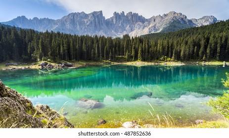 Dolomites: the beautiful colors of the lake Carezza
