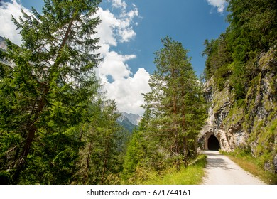 Dolomites cycle path