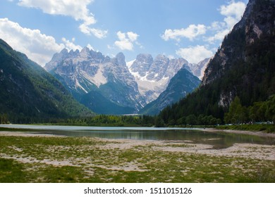 Dolomites Italien Mountaun and green forest and lake