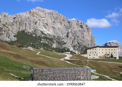 Dolomiten-Landschaft am Grödnerpass, Italien