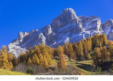 dolomiti alps autumn landscape