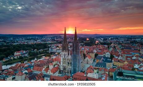 Dom in Regensburg at sunrise - Shutterstock ID 1935810505