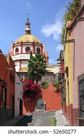 Dome and rear view of La Parroquia (Church of St. Michael the Archangel) in the historic Mexican city of San Miguel de Allende.