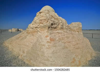 Domed Buddhist shrine enclosing stupa-M3 feature. Monastic site existing from II to V centuries AD-ancient town of Miran-old caravan track to Dunhuang-Southern Silk Road-Ruoqiang county-Xinjiang-China
