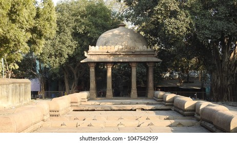 Domed porch mounted by cupolas at Dada Harir Stepwell (upper view) in Asarwa area of Ahmedabad, Gujarat State, India.