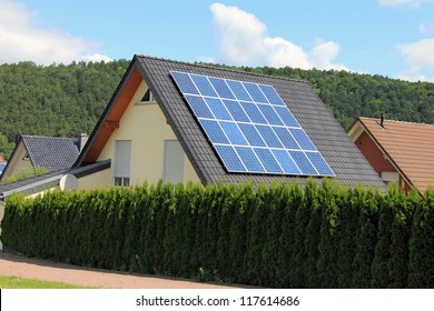 Domestic solar panels allow the production of clean energy