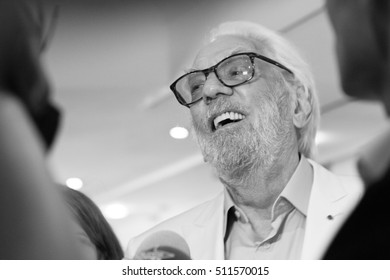 Donald Sutherland answering journalist's questions before press conference in Cannes 2016