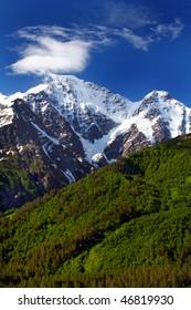 Donguzorun and Nakratau Caucasus mountains
