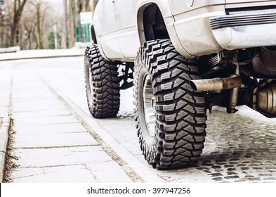 Donk car with a suspension lift