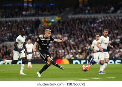 Donny van de Beek of Ajax scores the opening goal, 0-1 - Tottenham Hotspur v Ajax, UEFA Champions League Semi Final - 1st Leg, Tottenham Hotspur Stadium, London - 30th April 2019