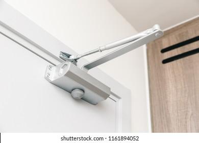 Door Closers automatic closing door device for security
