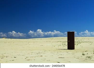 The door in the desert