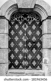 door entrance to the historic building black and white