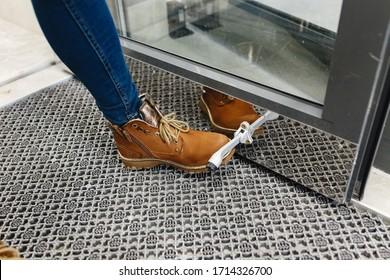 The Door stopper on laminate floor, Floor Locking Door