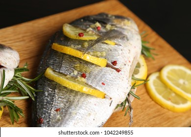 Dorade with lime, grilled fish with lemon