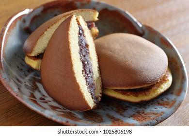 Dorayaki(yummy bun), pancakes with bean jam in between