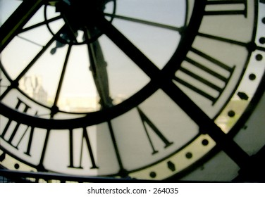 Musée d'Orsay clock closeup