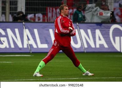 DORTMUND, GERMANY - APRIL 11: Manuel Neuer (FC Bayern Munich) before a Bundesliga match between BVB Borussia Dortmund & FC Bayern Munich, final score 1-0, on April 11, 2012, in Dortmund, Germany.