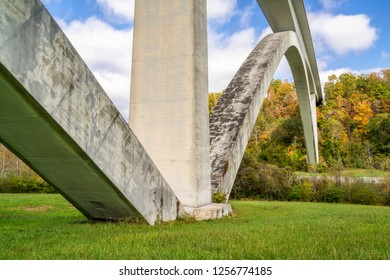 Double Arch Bridge on Natchez Trace Parkway near Franklin, TN, fall scenery