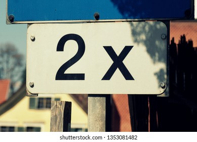 Double sign (2x)