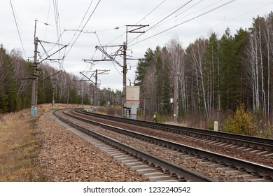 Double-track, electrified railway turns right
