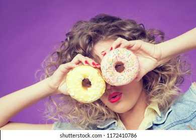 doughnuts in the eyes of a beautiful girl