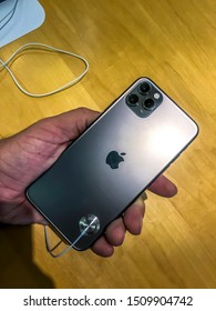 Dover, New Jersey USA: Release of the new iPhone 11 as well as the iPhone 11 Pro (Max), visiting an Apple Store in USA, investigating the iPhone 11 Pro Max in space grey in detail. First impressions.