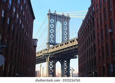 Down under Manhattan Bridge (DUMBO)