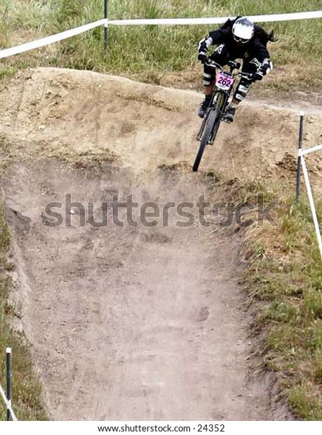 Downhill, mountain biking, extreme, sports, cycling, riding, bike, athlete, race, athletic