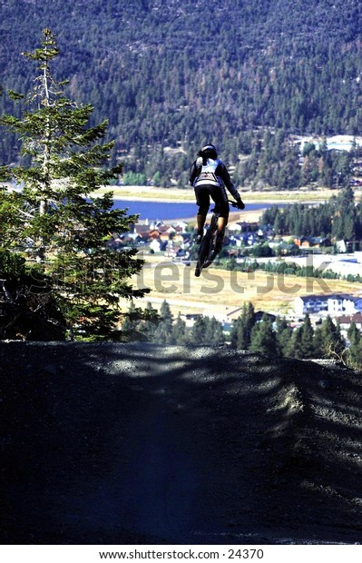 Downhill, mountain biking, extreme, sports, cycling, riding, bike, athlete, race, athletic, Big Bear Lake
