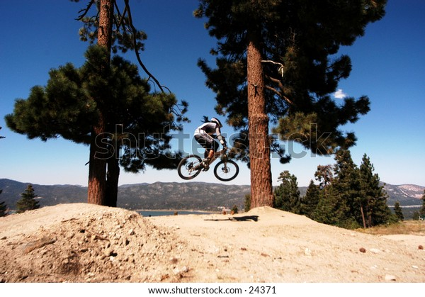 Downhill, mountain biking, extreme, sports, cycling, riding, bike, athlete, race, athletic, jumping