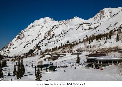 downhill skiing in Cottonwood Canyon, Utah