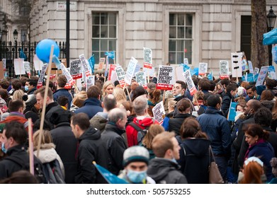 Downing Street, London, UK. 6th February 2016. EDITORIAL - Junior doctors protest march outside Downing Street, central London, in protest of government plans to change NHS junior doctor contracts.
