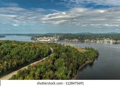 Downtown Bucksport Maine and Fort Knox State Historic Site - USA