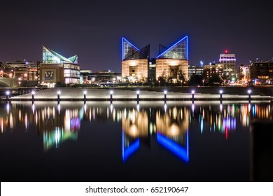 Downtown Chattanooga Tennessee Night Time City Light Reflection