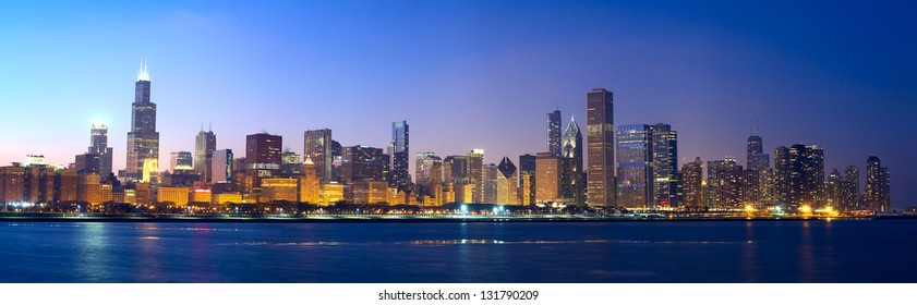 Downtown Chicago across Lake Michigan at sunset, IL, USA