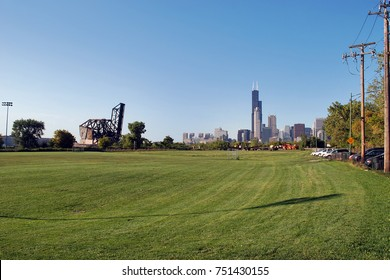 Downtown Chicago skyline from Ping Tom Park