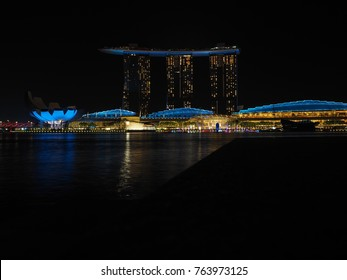 Downtown Core, Singapore - November 8, 2017 : The night view of Marina Bay Sands