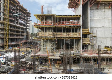 DOWNTOWN, DUBAI, UAE.  22.1.2017.  Construction of two large residential towers on Emaar boulevard in Dubai's downtown district.