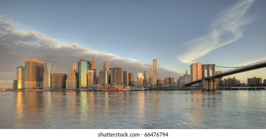 Downtown Manhattan buildings including the Brooklyn Bridge