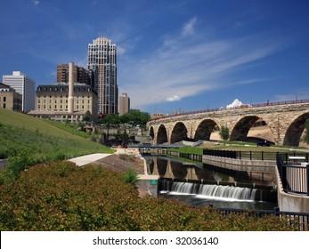 Downtown Minneapolis and Stone Arch bridge 3