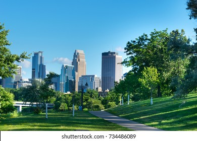 Downtown  Minneapolis from West river park
